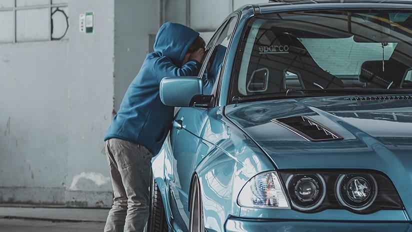 Alemania: Un niño de 8 años se lleva el auto de sus padres y conduce a 140 kilómetros por hora