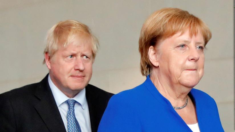 Angela Merkel propone a Boris Johnson encontrar alternativas al 'backstop' irlandés en 30 días