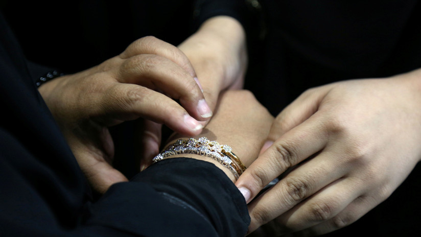 Mujer busca el divorcio porque su esposo es demasiado perfecto