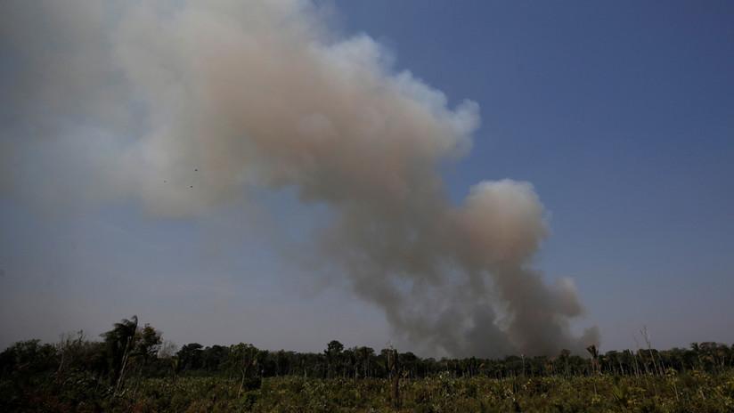 Senador demócrata de EE.UU. llama a recortar fondos a Brasil hasta resolver incendios en la Amazonía