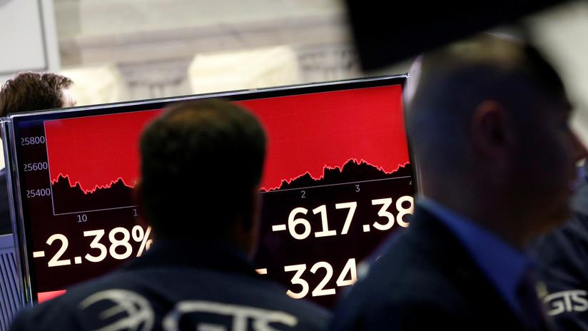 El Dow Jones cierra con una pérdida de más de 600 puntos a medida que aumenta la guerra comercial con China