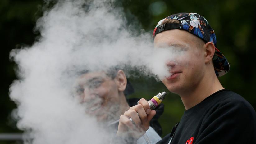 """India pretende prohibir los cigarrillos electrónicos para evitar una """"epidemia"""" entre niños y jóvenes"""
