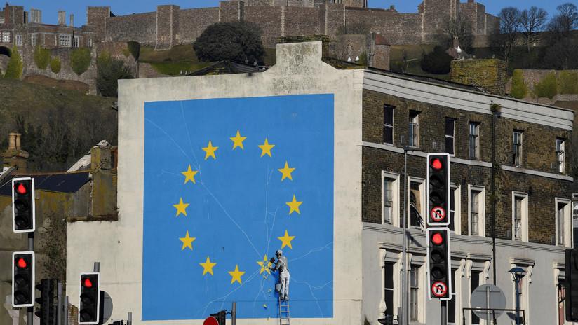 FOTOS: Desaparece el famoso mural de Banksy sobre el Brexit