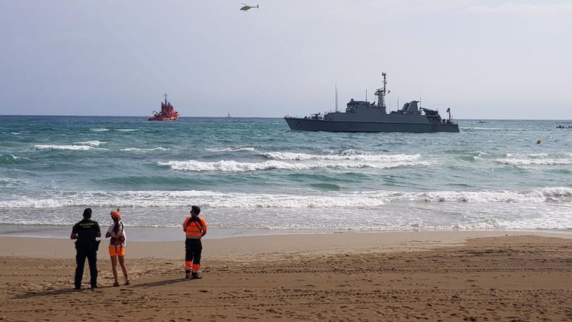Encalla un buque de la Armada española durante la búsqueda del avión siniestrado en el que falleció su piloto