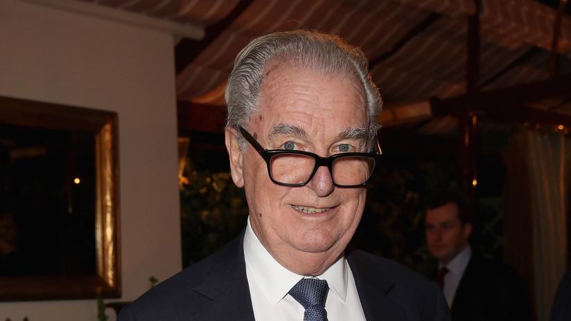 Muere Tim Bell: quién era el relacionista que ayudó a Pinochet a evadir la prisión y a Thatcher a llegar al poder