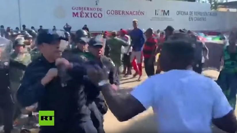 VIDEO: Se registran enfrentamientos entre la Policía de México y migrantes africanos que se dirigen hacia EE.UU.