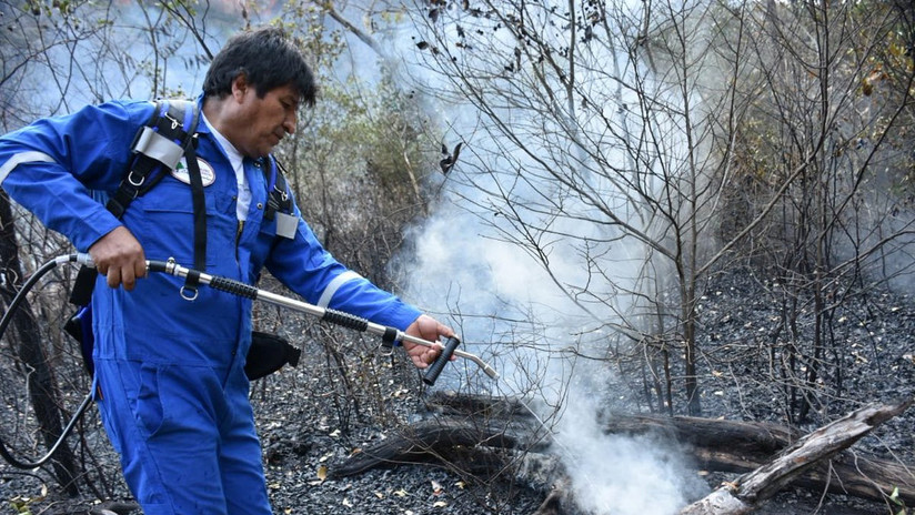 PHOTOS, VIDEO: Evo Morales joins the team that puts out fires in the Bolivian Chiquitanía