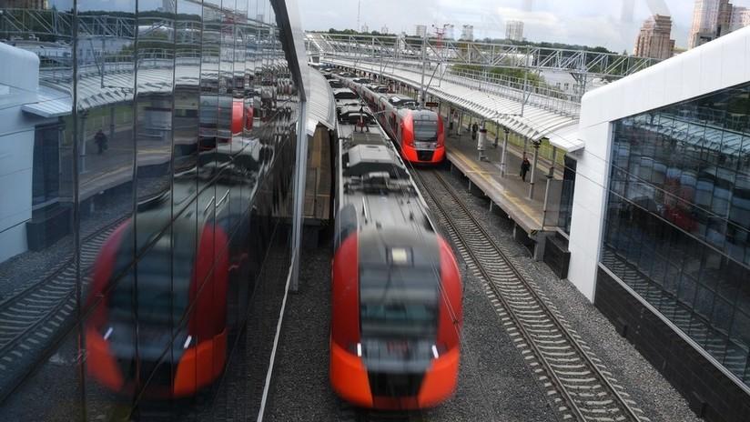 El primer tren no tripulado de Rusia demuestra ser un éxito en unas pruebas en Moscú