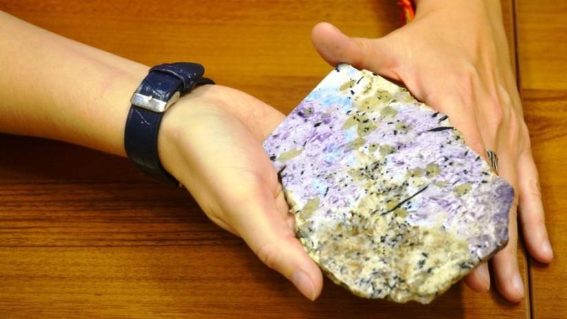Descubren en Siberia una piedra preciosa jamás vista