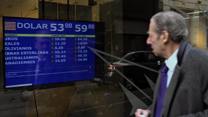 El dólar continúa subiendo en Argentina: se vende a 60 pesos