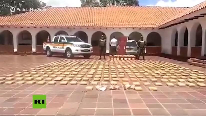 VIDEO: Incautan por casualidad un coche fúnebre en Colombia que llevaba 300 kilogramos de marihuana en dos ataúdes