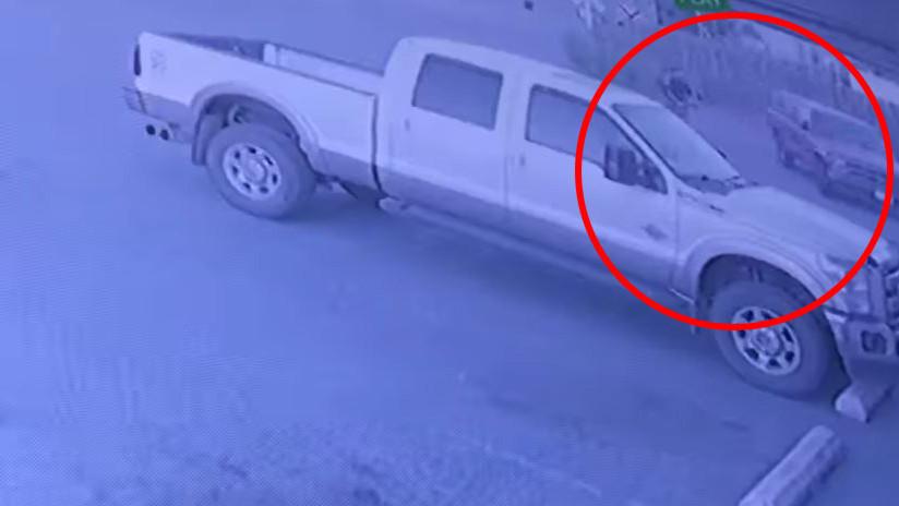 Ladrón que roba a ladrón: hurtan la camioneta de un hombre que estaba asaltando una tienda (VIDEO)