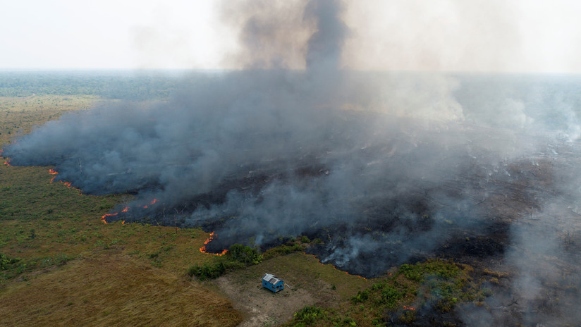 """La Casa Blanca: """"No acordamos una iniciativa del G7 para ayudar a Brasil a combatir los incendios que no incluyera consultas con Bolsonaro"""""""