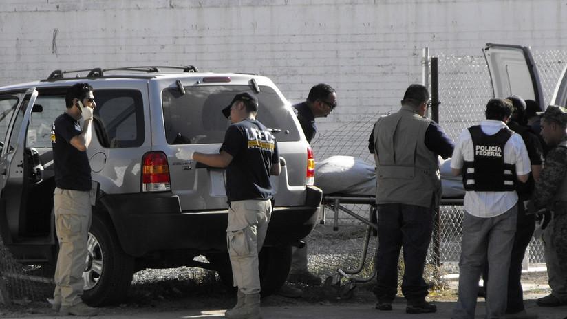 Hallan a tres mujeres degolladas con un mensaje atribuido al narco en México