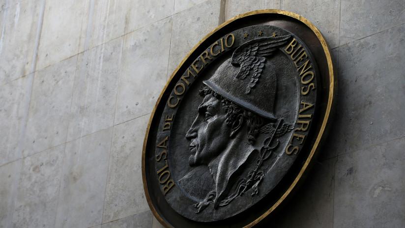 La bolsa de Argentina cae 5,7 % luego del anuncio del plan oficial sobre la deuda
