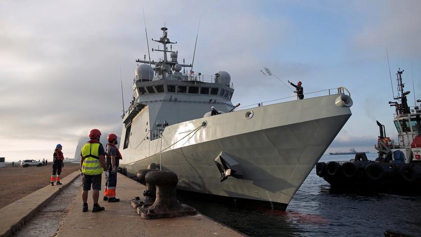 Los 15 inmigrantes del Open Arms trasladados por un barco de la Armada desembarcan en España