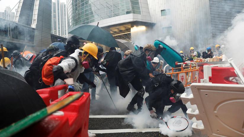 """La Cancillería china expresa su """"enérgica protesta"""" a EE.UU. por los comentarios de sus políticos sobre Hong Kong"""