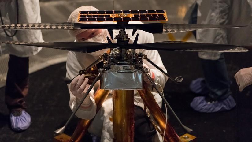 """""""La primera aeronave que viajará a Marte"""": La NASA muestra imágenes de su helicóptero 'marciano' unido al nuevo 'rover' (FOTO)"""