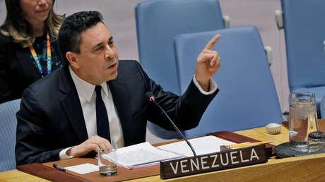 El embajador de Venezuela en la ONU, Samuel Moncada, interviene en una sesión del organismo.