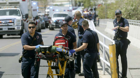 Miembros de los bomberos cerca del lugar del tiroteo en la ciudad de El Paso (Texas, EE.UU.), el 3 de agosto de 2019.