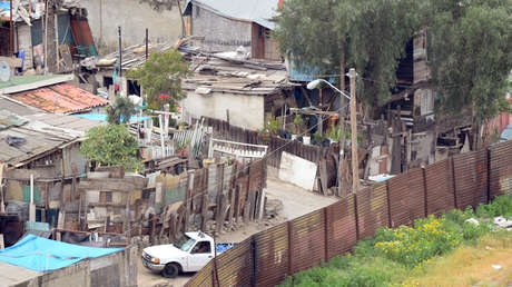 Un callejón en la ciudad Tijuana, México, el 4 de abril de 2013 a lo largo de la frontera con Estados Unidos.