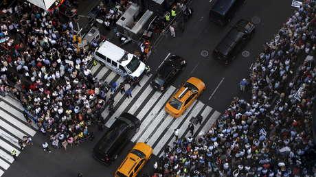 Multitud en el Times Square de Manchattan (Nueva York, EE.UU.), el 22 de julio de 2015.