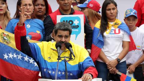 Nicolás Maduro durante una marcha en contra de las sanciones de Washington contra Caracas en la capital venezolana, el 10 de agosto de 2019.