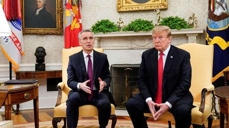 Donald Trump se reúne con el secretario general de la OTAN, Jens Stoltenberg, en la Oficina Oval de la Casa Blanca en Washington, EE.UU., 2 de abril de 2019.