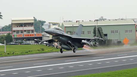 Un F-16V taiwanés relizando ejercicios en mayo de 2019.