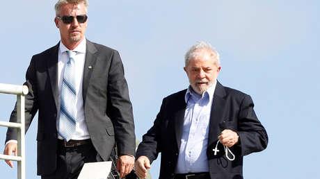 El expresidente Lula Da Silva vuelve a prisión desde el funeral de su nieto de 7 años