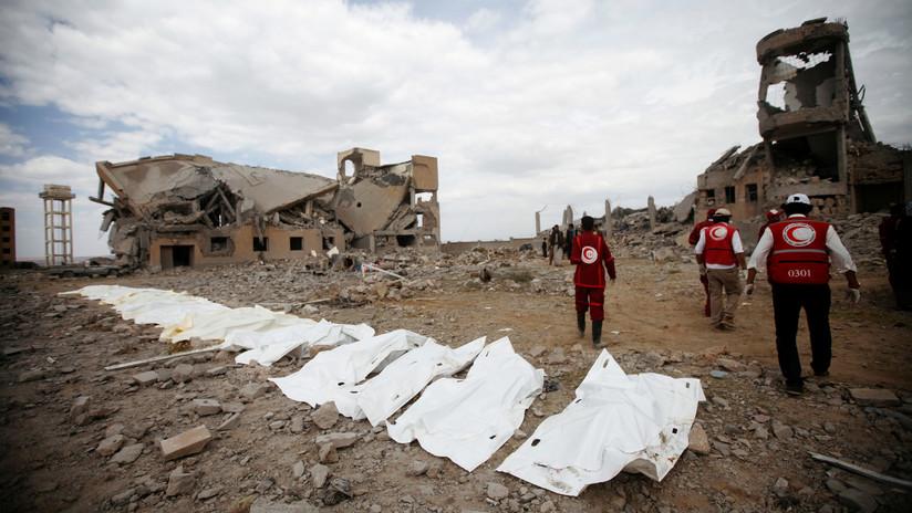 Cruz Roja: Al menos 100 muertos por un ataque de la coalición liderada por Riad contra una prisión yemení