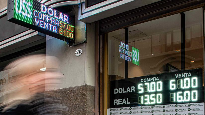 El Gobierno argentino anuncia controles a la compra de dólares desde el 2 de septiembre