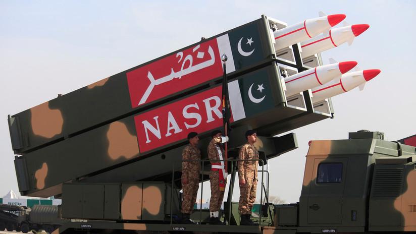 Un ministro de Pakistán advierte que su país puede causar daños a la India con mini bombas nucleares