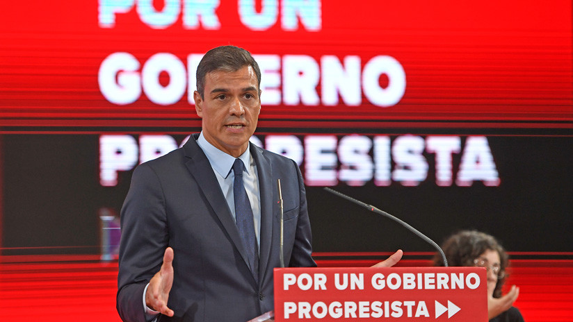 El PSOE de Pedro Sánchez presenta un programa para seducir a Podemos y evitar las elecciones