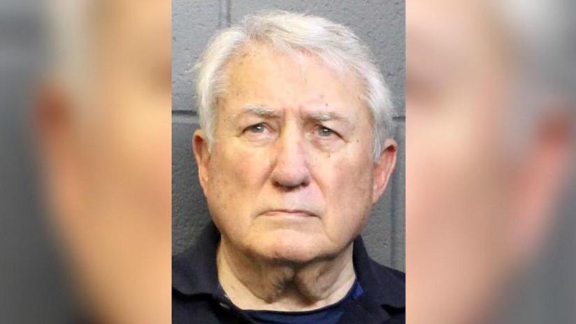 Acusan por abuso sexual infantil a un pastor de 80 años de Estados Unidos