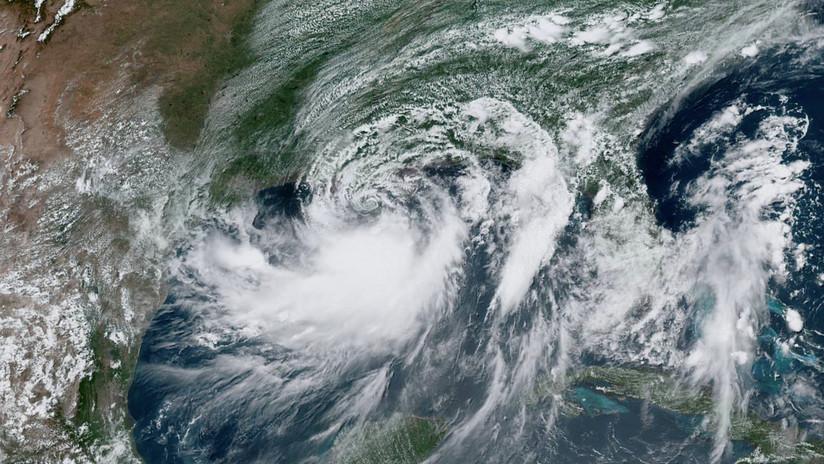 La tormenta tropical Fernando avanza hacia las costas de México