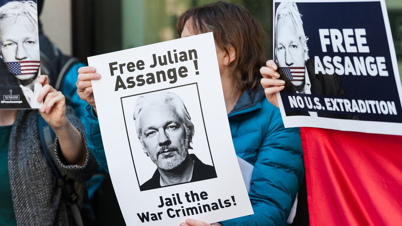 Un ex 'hacker' de Anonymous preso se juega su libertad anticipada por negarse a testificar contra Assange