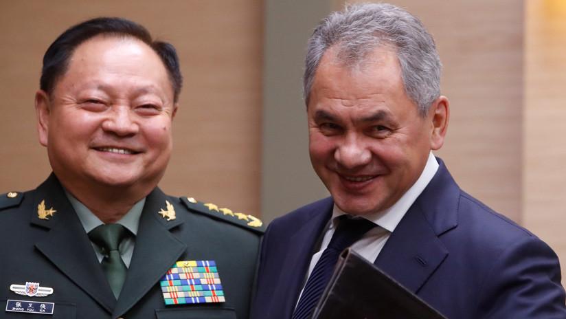"""General chino denuncia una """"persecución desenfrenada"""" a China y Rusia por parte de EE.UU."""