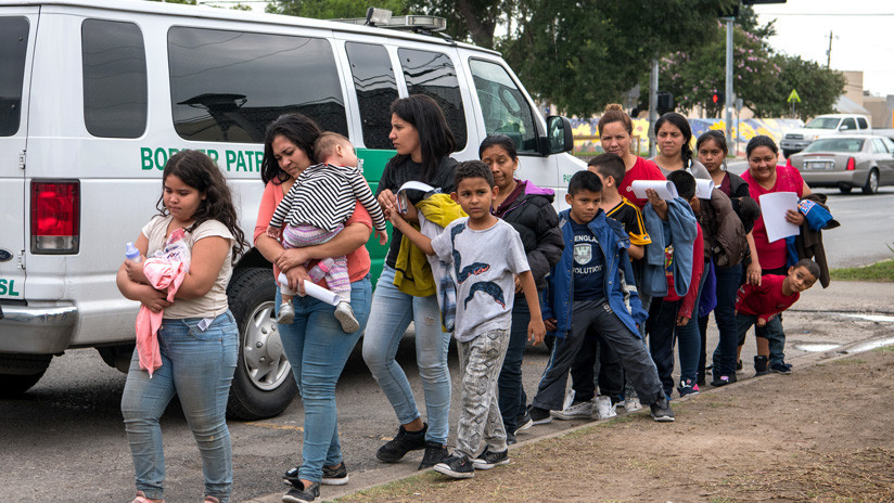 Antes, durante y después de la travesía: EE.UU. admite por primera vez traumas en niños migrantes retenidos