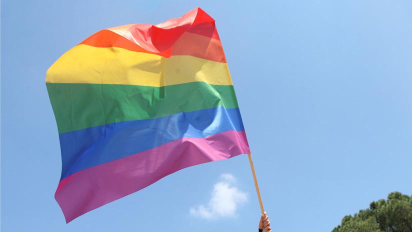 Funda una terapia de conversión de homosexuales y veinte años más tarde se declara gay