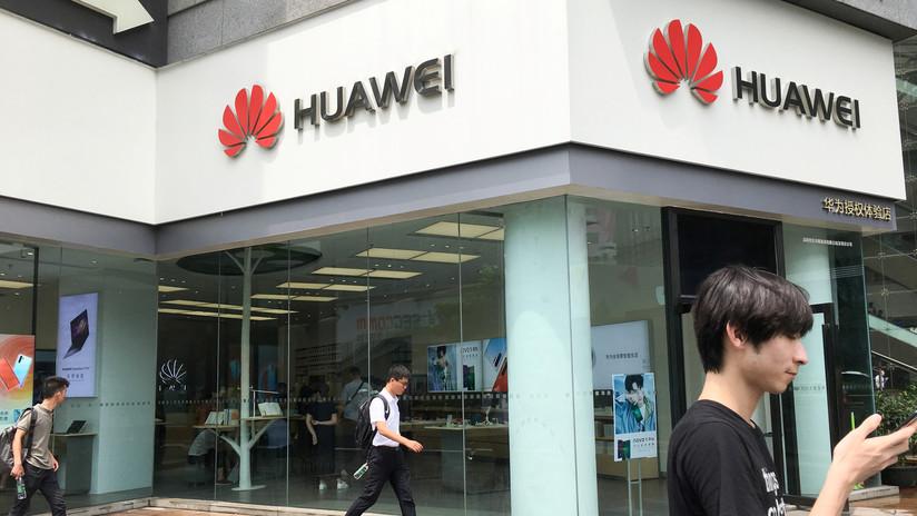 """China acusa a EE.UU. de """"abusar del concepto de seguridad nacional"""" tras nuevos ataques contra Huawei"""