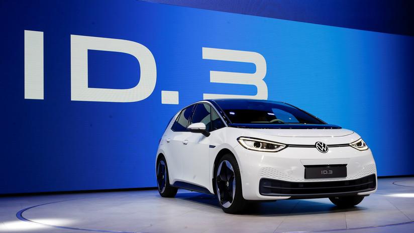 """FOTOS: Volkswagen presenta su auto totalmente eléctrico, """"el primer del mundo con una huella de carbono cero"""""""