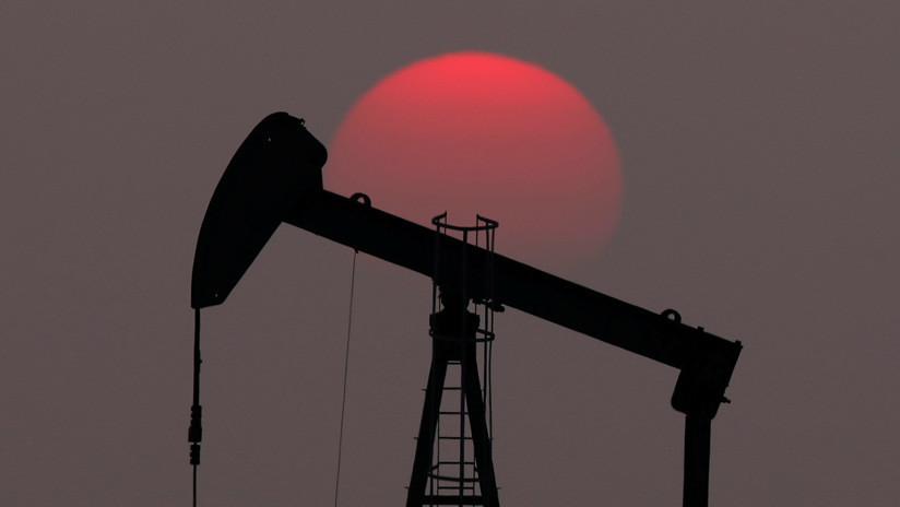 El precio del petróleo cae inmediatamente tras el cese de John Bolton
