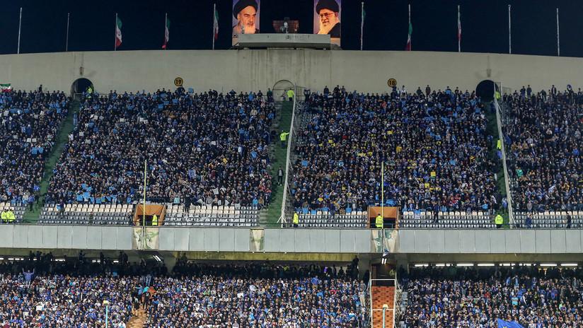 Una iraní muere tras prenderse fuego en protesta por la prohibición de asistir a un partido de fútbol