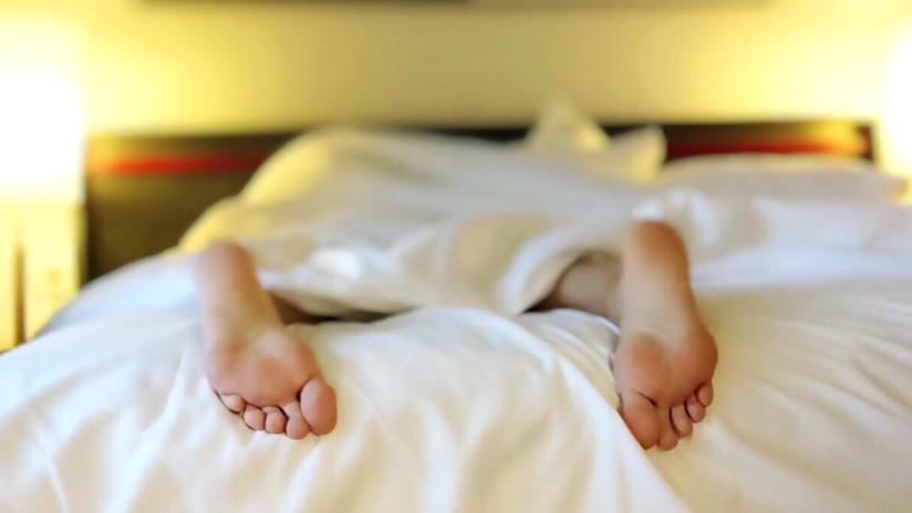 Un canadiense es multado con 375 dólares por quedarse dormido en una cama ajena