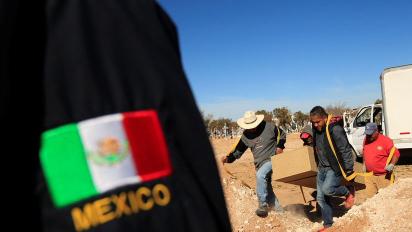 Encuentran fosa clandestina con restos en descomposición en Oaxaca