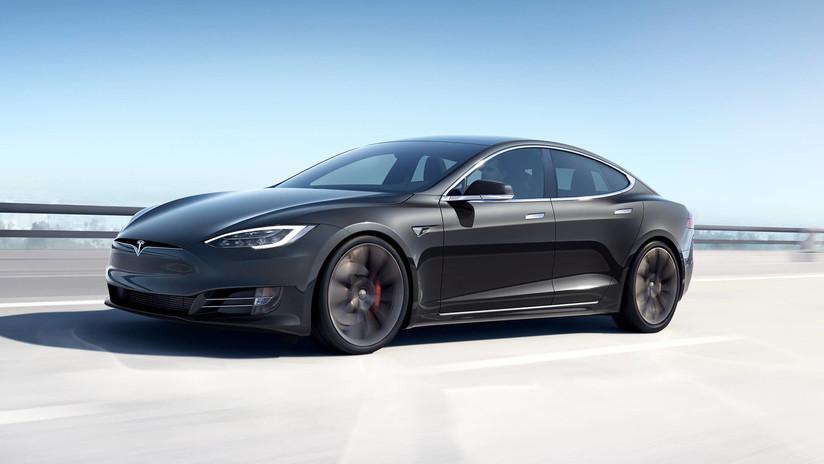 VIDEO: El Tesla Model S bate un récord de velocidad en el circuito de Laguna Seca