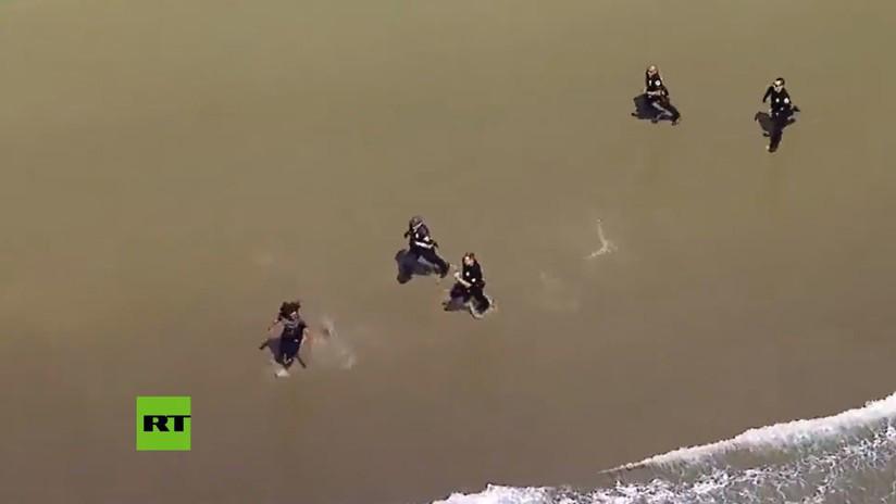 VIDEO: Un fugitivo escapa de la policía en una persecución de película por una playa de Los Ángeles