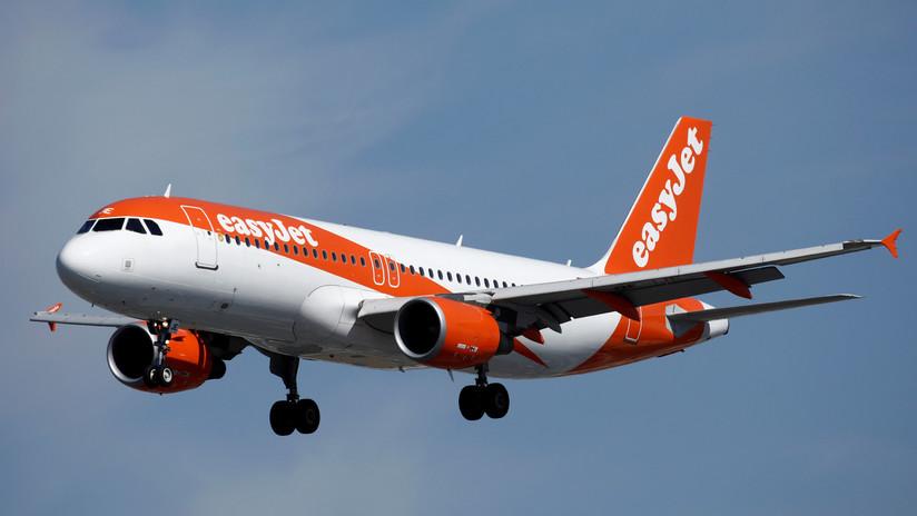 El copiloto de un Airbus sufre un ataque de ansiedad y abandona la cabina de vuelo momentos antes del aterrizaje
