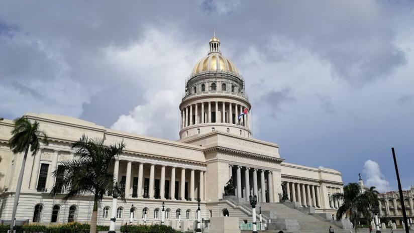 La cúpula dorada del Capitolio de La Habana queda al descubierto tras su restauración
